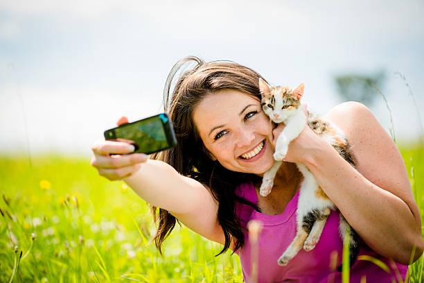 Selfie woman and cat picture id507877956?b=1&k=6&m=507877956&s=612x612&w=0&h=wjzbvqqmdik6r r8lz9njvxivbfmpqq udb lreynye=
