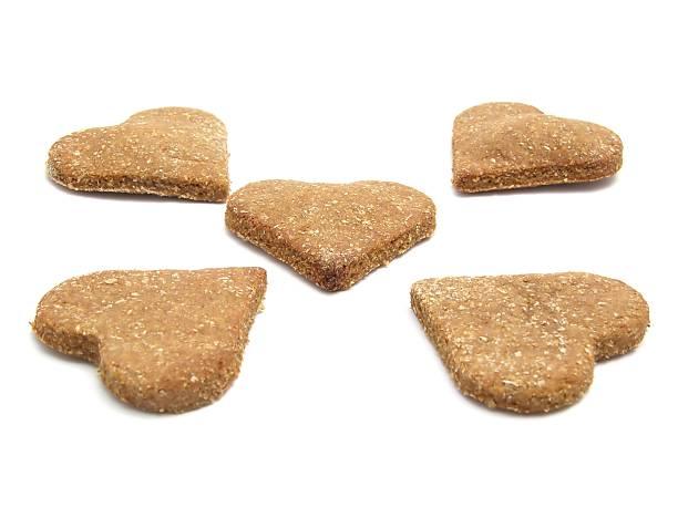 selfmade natale-biscotti per cani a forma di cuore - sugar cane foto e immagini stock
