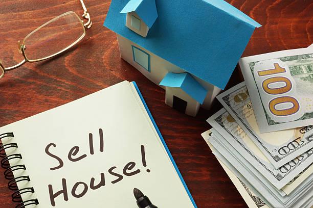 продажи дом - dollar bill стоковые фото и изображения