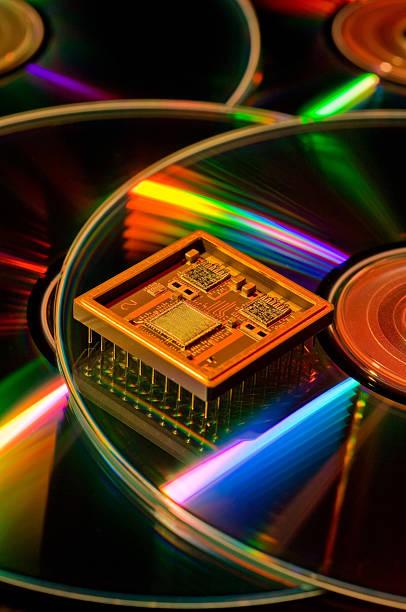 semi conductor auf cd-roms - mark tantrum stock-fotos und bilder
