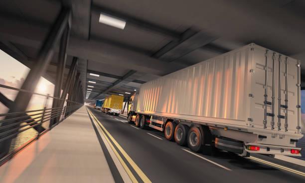 Semi-Container LKW in Bewegung auf dem unteren Deck – Foto