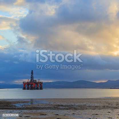 istock Semi Submersible Oil Rig at Cromarty Firth 528308536