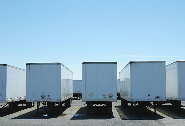 semi trailers  vehicle trailer stock pictures, royalty-free photos & images