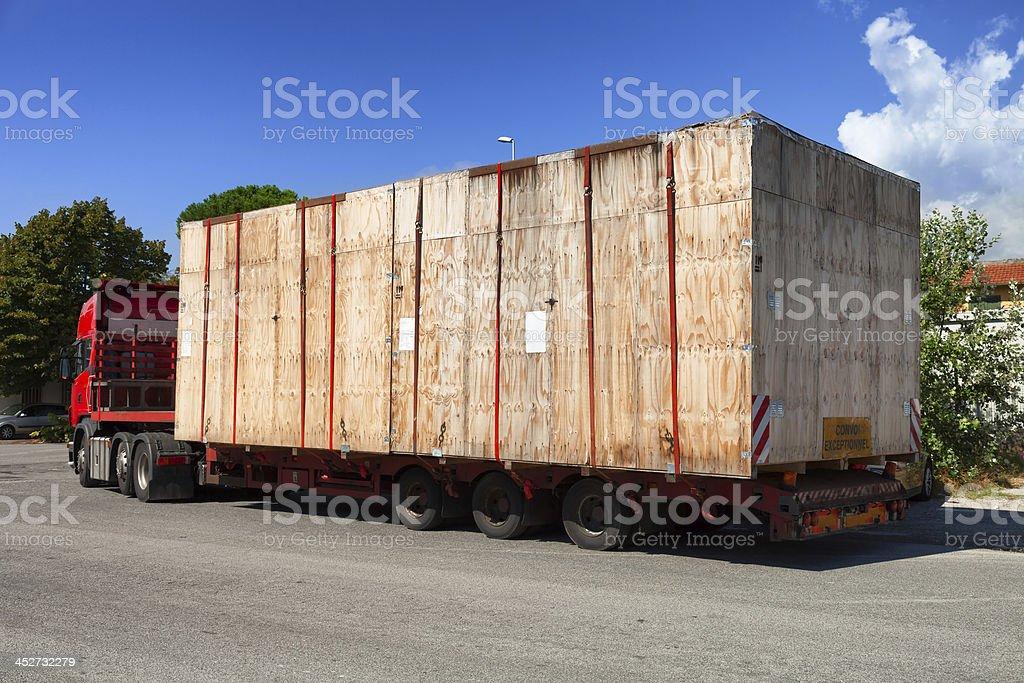 Semi Truck auf der Straße – Foto