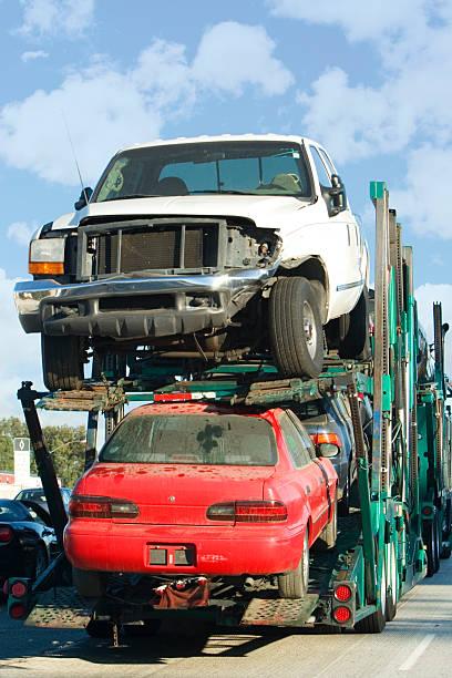 semi-truck - was bringt unglück stock-fotos und bilder