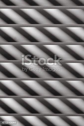 Semi-closed metallic blinds (details)