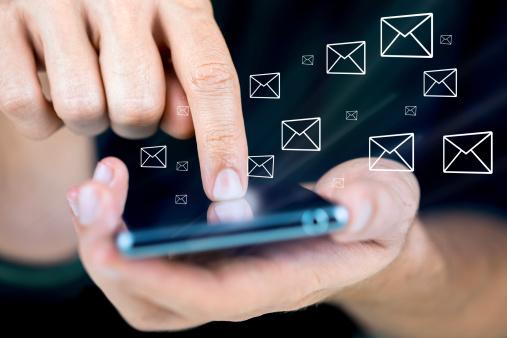 Messaging Stockfoto und mehr Bilder von Abschicken
