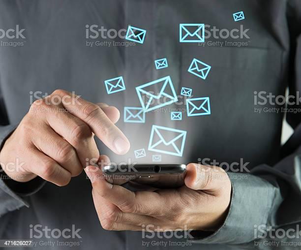 Versenden Von Sms Stockfoto und mehr Bilder von Abschicken