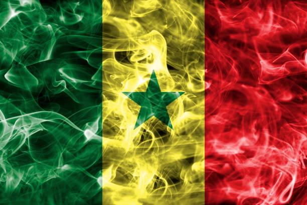 Bandeira do Senegal fumaça - foto de acervo