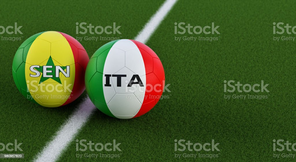 Senegal vs Itália futebol - bolas de futebol em Itálias e Senegals cores nacionais em um campo de futebol. Cópia espaço no lado direito - 3D Rendering - foto de acervo