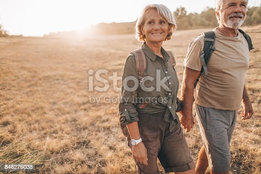 istock Senior backpackers 846276038
