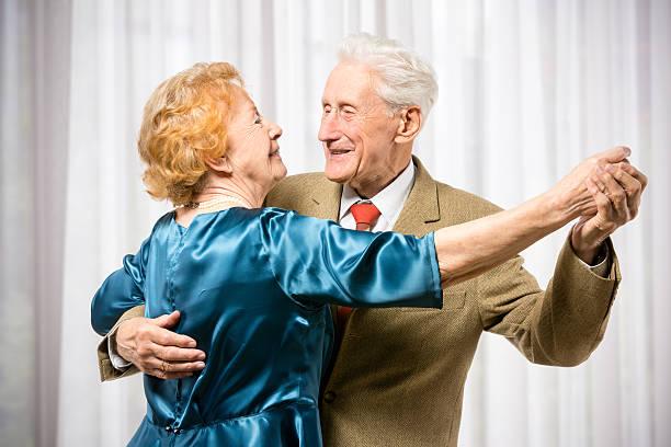 starsza para taniec - sala balowa zdjęcia i obrazy z banku zdjęć