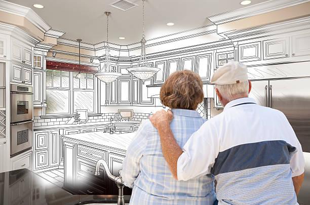 altes paar über individuelle küche design zeichnen und pho-tempel - küche neu gestalten ideen stock-fotos und bilder