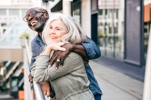 istock Senior couple on vacation 1083939500