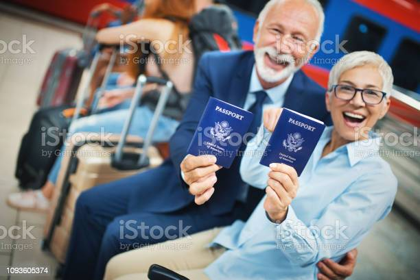 Senior couple ready for a vacation picture id1093605374?b=1&k=6&m=1093605374&s=612x612&h=gi gidb19lp 7qw vc95g01dlnsrqdg ob6o8dnyi7g=