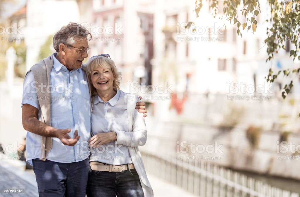 Seniors Online Dating Service No Money Required H&P