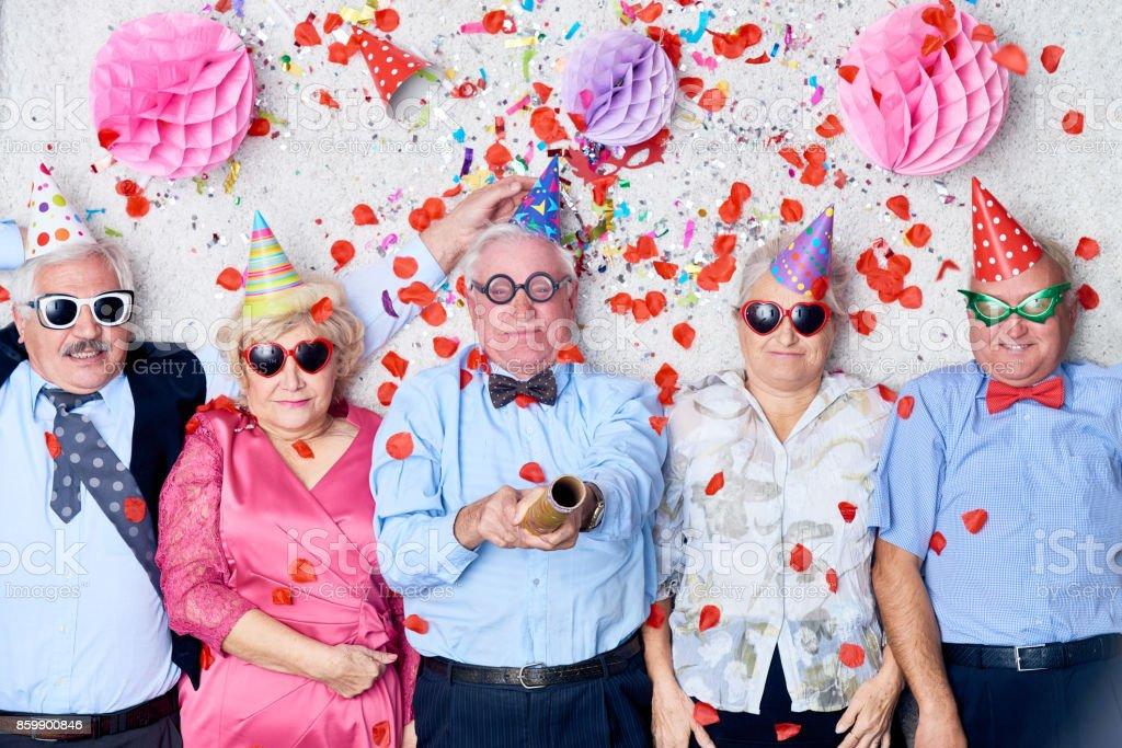 Senioren Freunde explodierende Partyspaß – Foto
