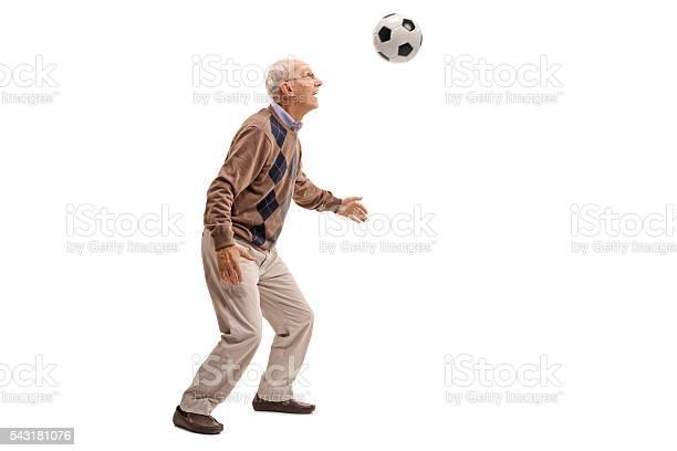 Senior man heading a football picture id543181076?b=1&k=6&m=543181076&s=612x612&h=ytnxs0olvlvdigqi 37h3jvd32g spav2rmdvlmbllo=