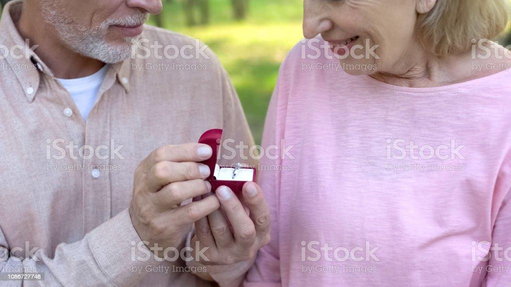 agences de rencontres pour les personnes âgées
