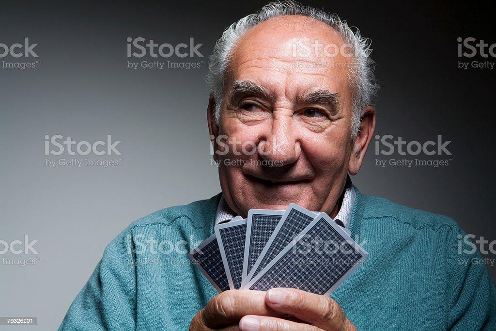 노인 남자 게임하기 카드 royalty-free 스톡 사진