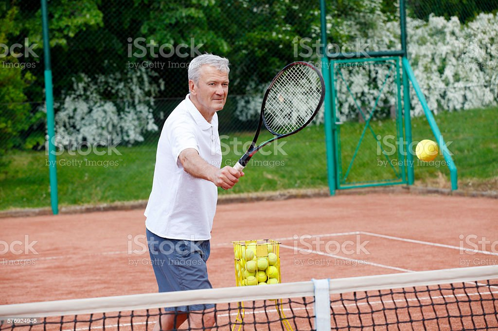 Image result for senior pratiquant du tennis