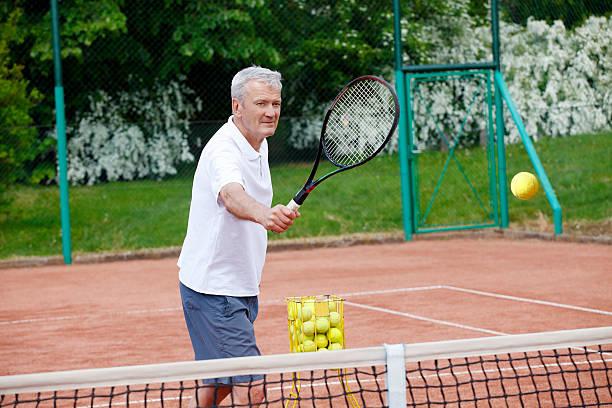 Image result for senior pratiquant du tennis