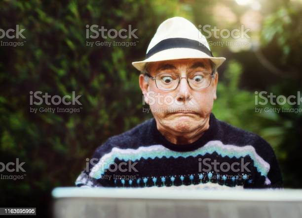 Senior man using laptop outdoors is confused and frustrated picture id1163695995?b=1&k=6&m=1163695995&s=612x612&h=xqsycflhrteqredx5i5ovdljbr2whcwxe5f rp0fmoy=
