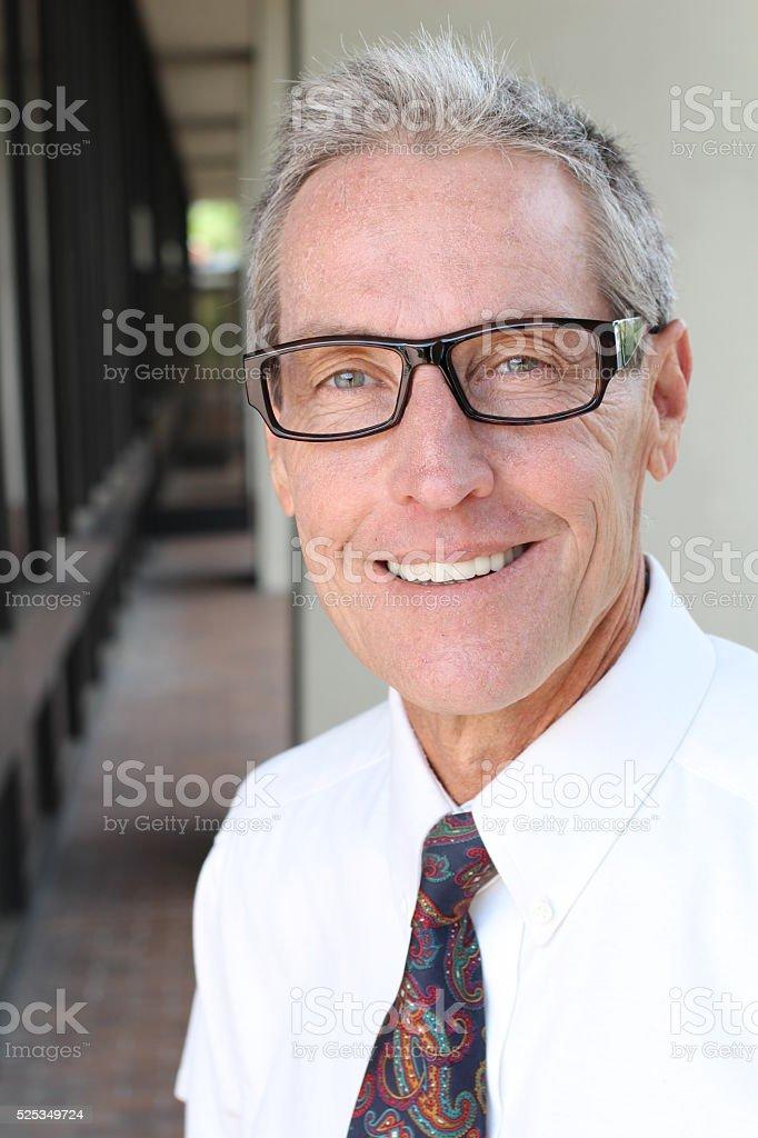 60 anos hombres mayores de