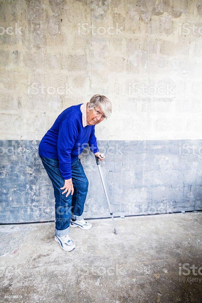 Ältere Frau, schwere Knie - Lizenzfrei 70-79 Jahre Stock-Foto