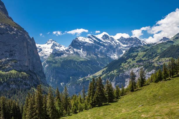senior woman Mountainbiking in Grindelwald – Foto