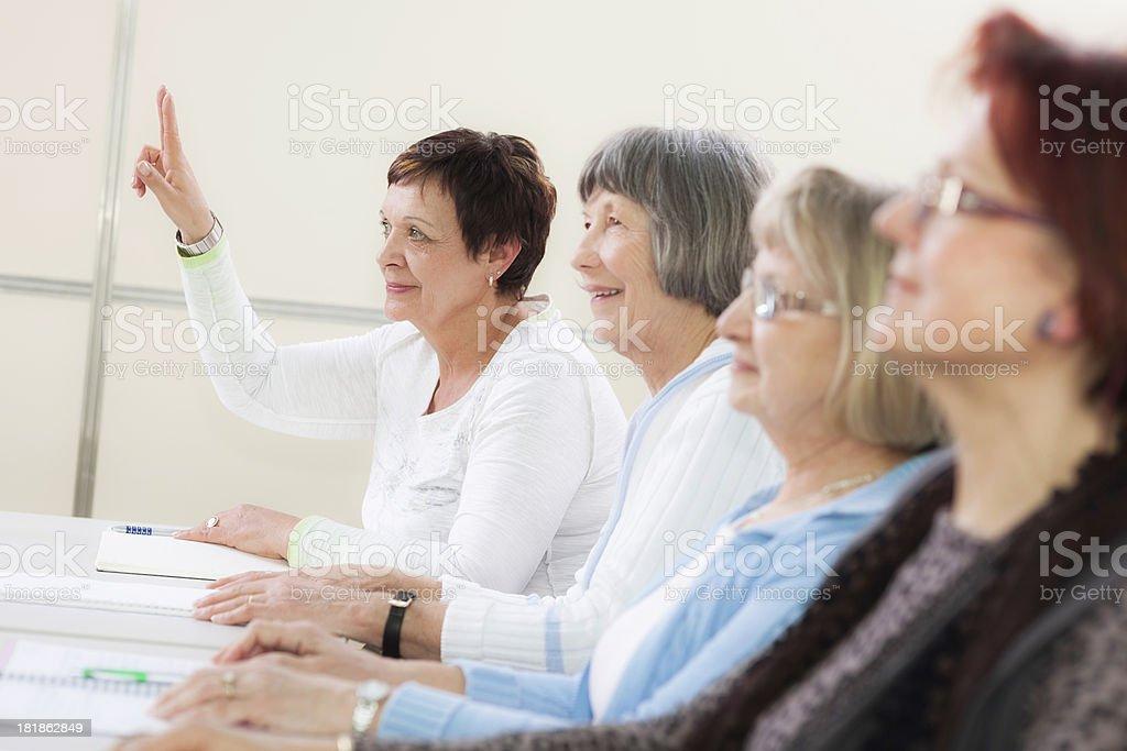 senior woman meeting 55 jó szövegeket társkereső