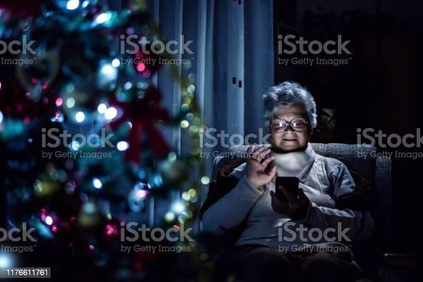 Senior woman using mobile phone picture id1176611761?b=1&k=6&m=1176611761&s=612x612&h= kim2jjjoiruu5wehuputbeioyjkmqq0kiwr8tg98mi=