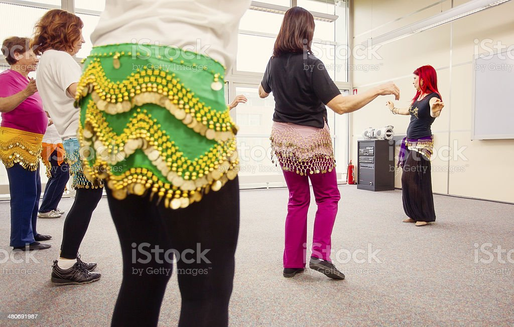 Ältere Frauen lernen-Tanz – Foto