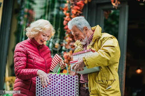 817549606 istock photo Seniors in shopping 1184888219
