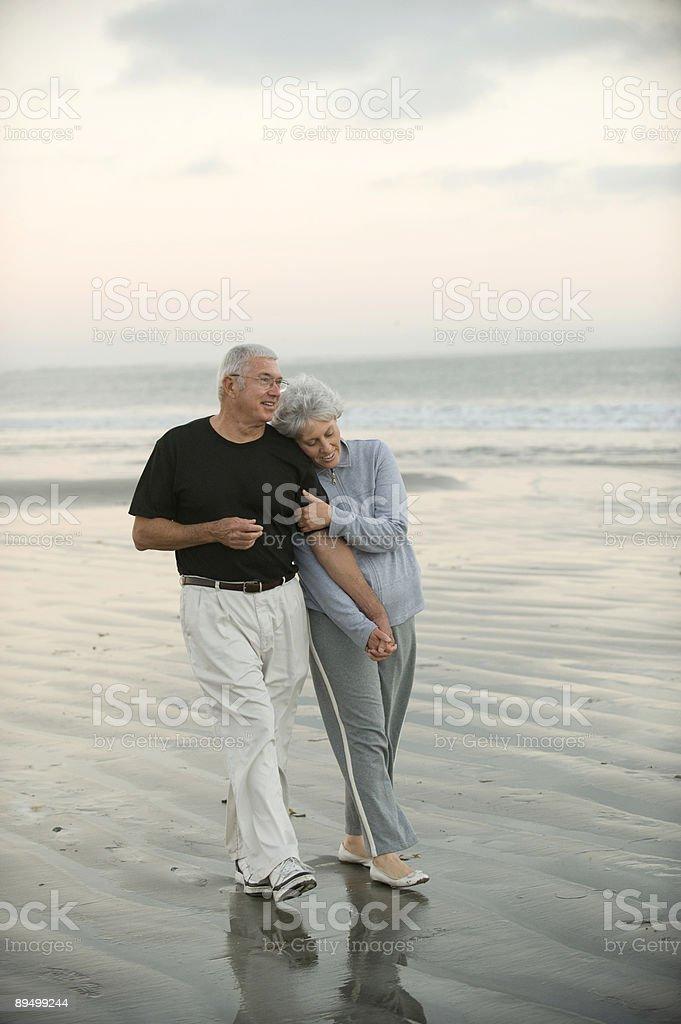 Seniors on the Beach royalty free stockfoto