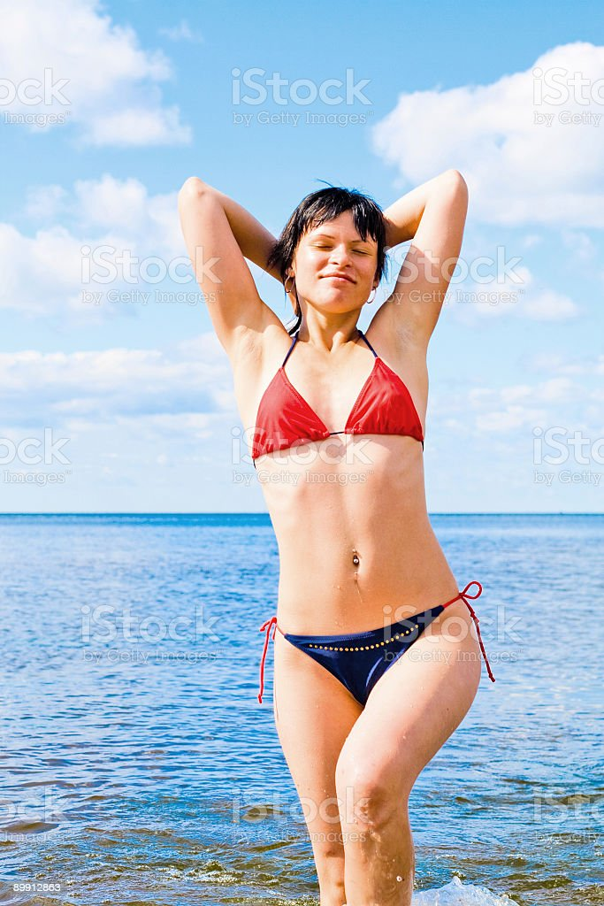 Sensuale bellezza indossando bikini foto stock royalty-free