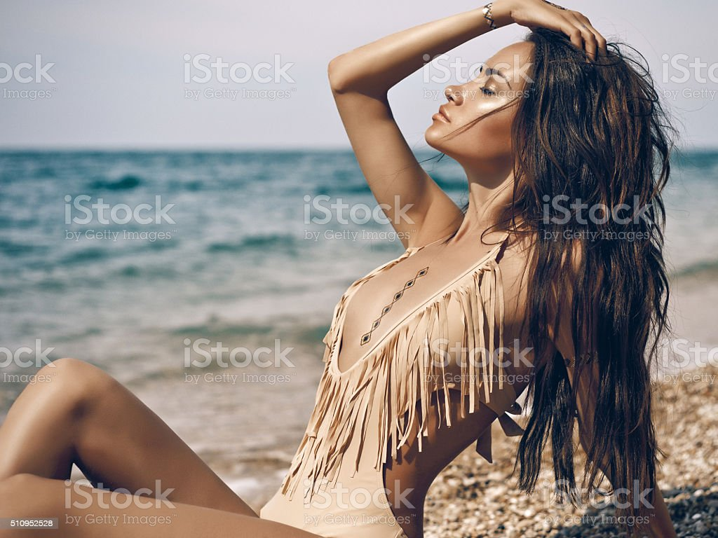 Sinnliche Dame am Strand – Foto