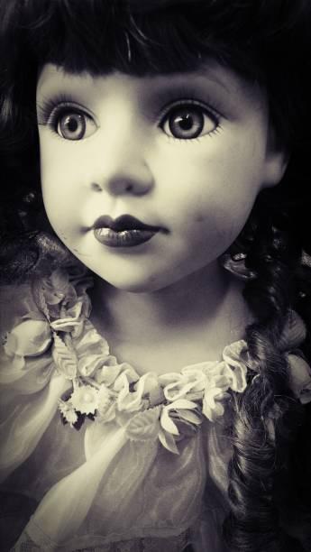 muñeca de sepia - muñeca bisque fotografías e imágenes de stock