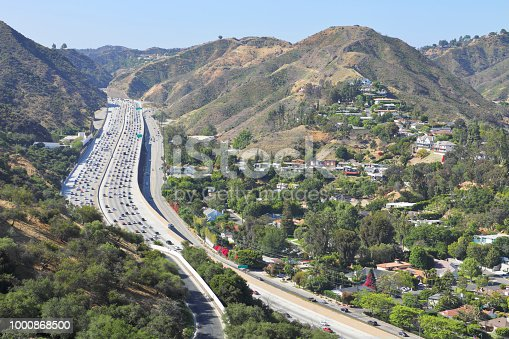 Interstate 405 at the Sepulveda pass. Sepulveda Pass connects the Los Angeles Basin to the San Fernando Valley through the Santa Monica Mountains in Los Angeles. It is crossed by the San Diego Freeway (I-405) and Sepulveda Boulevard. Heavy traffic on the pass is common occurence throughout the day.