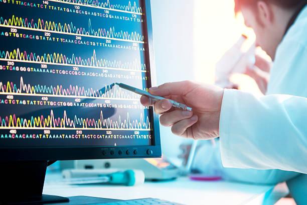 secuencia de adn - investigación genética fotografías e imágenes de stock