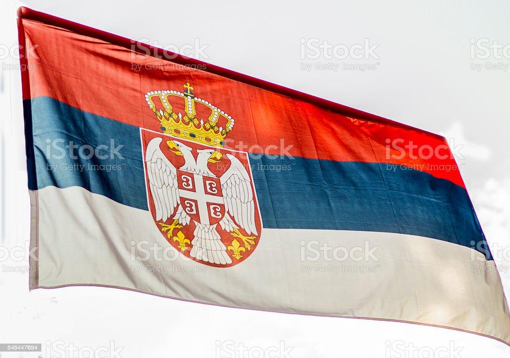 Bandeira da Sérvia-textura de seda - fotografia de stock