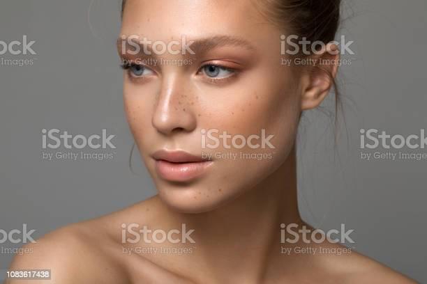 Serene beauty picture id1083617438?b=1&k=6&m=1083617438&s=612x612&h=lc26fyl8zbdfnkbfnrjtjc9tdg2vokohgjbw3lpgw9o=