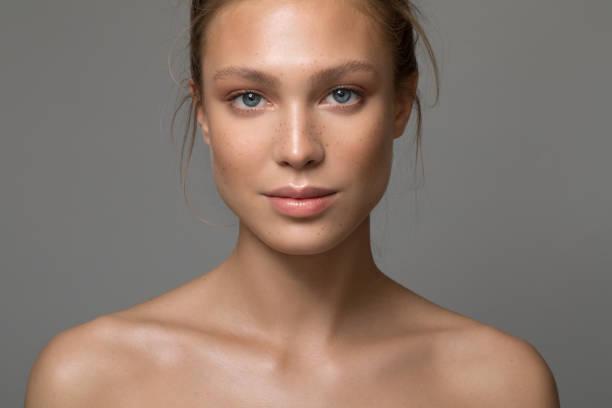 serene skönhet - kvinna ansikte glow bildbanksfoton och bilder