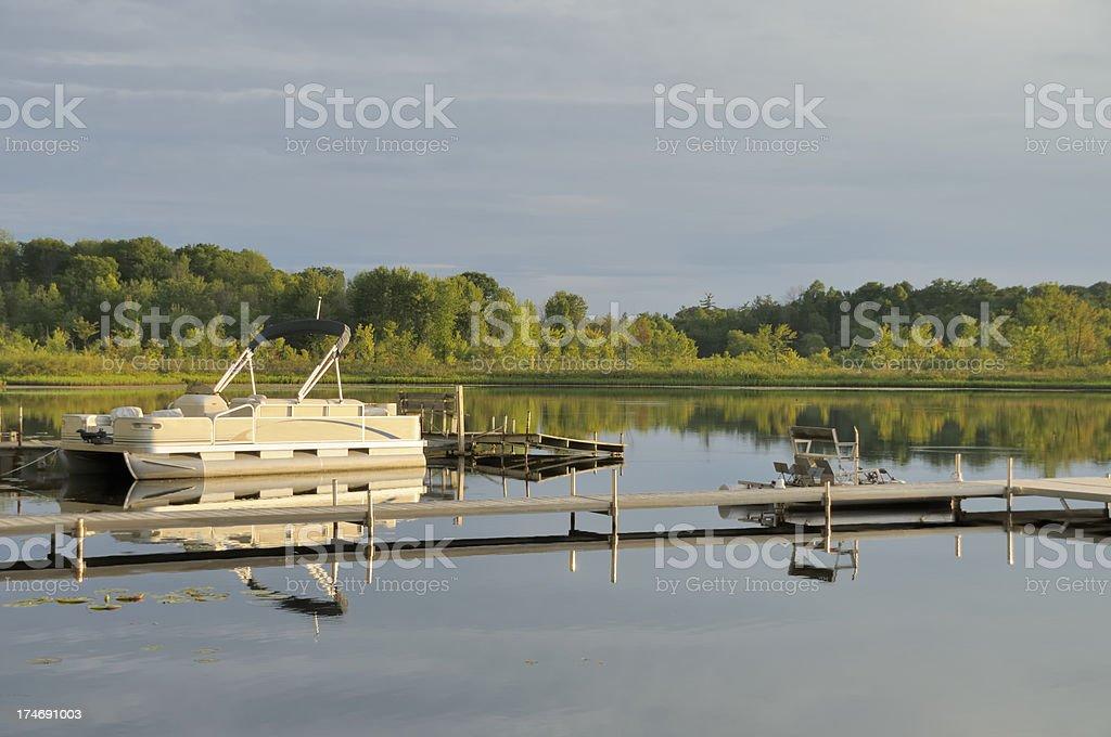 Sereno lago - foto de stock