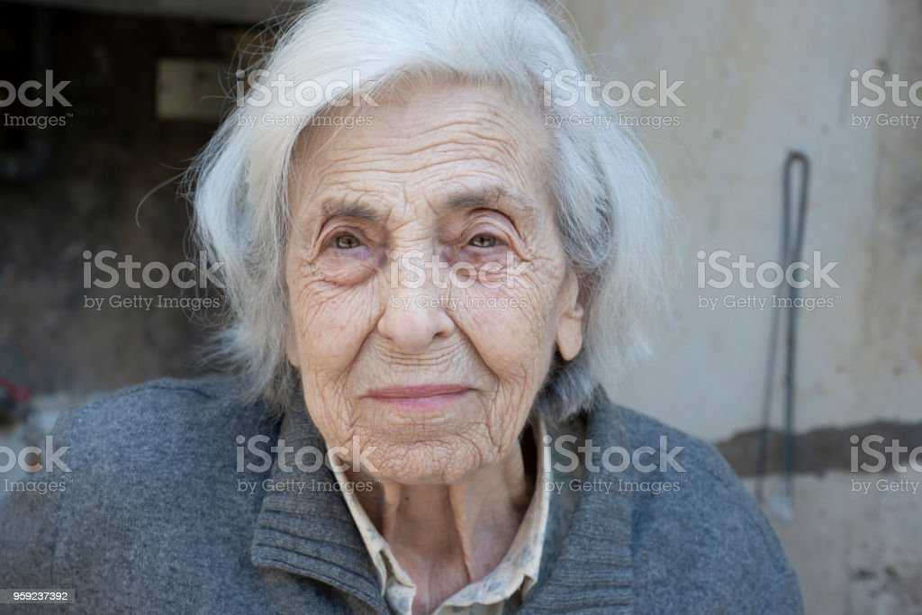 Serene Senior Woman Portrait - foto stock