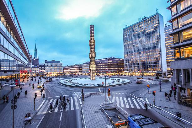 Sergels Torg with glass Obelisk Kristallvertikalacc in Stockholm An evening at Sergels Torg with glass Obelisk Kristallvertikalacc in Stockholm, Sweden stockholm stock pictures, royalty-free photos & images