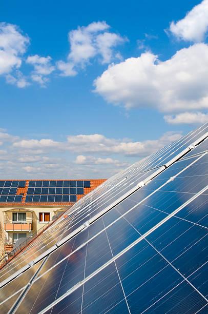 Solarkollektoren auf Ziegeldächer – Foto