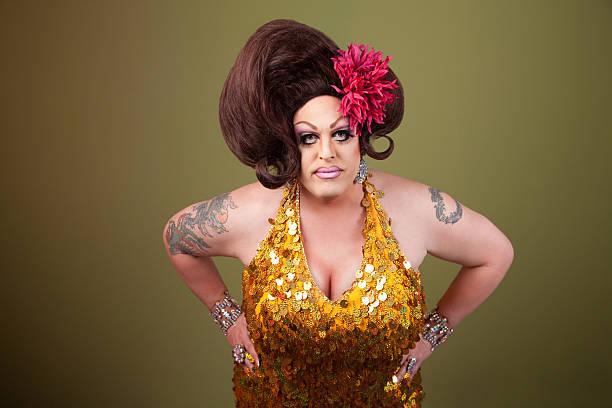 serious drag queen - drag queen stockfoto's en -beelden