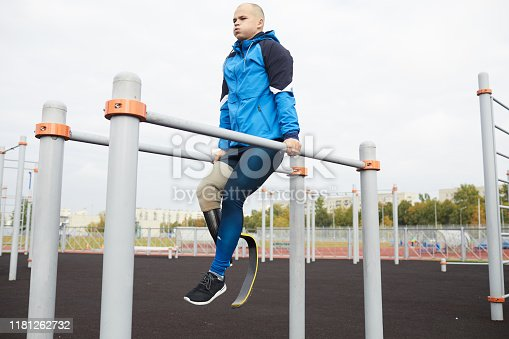 Training on parallel bars