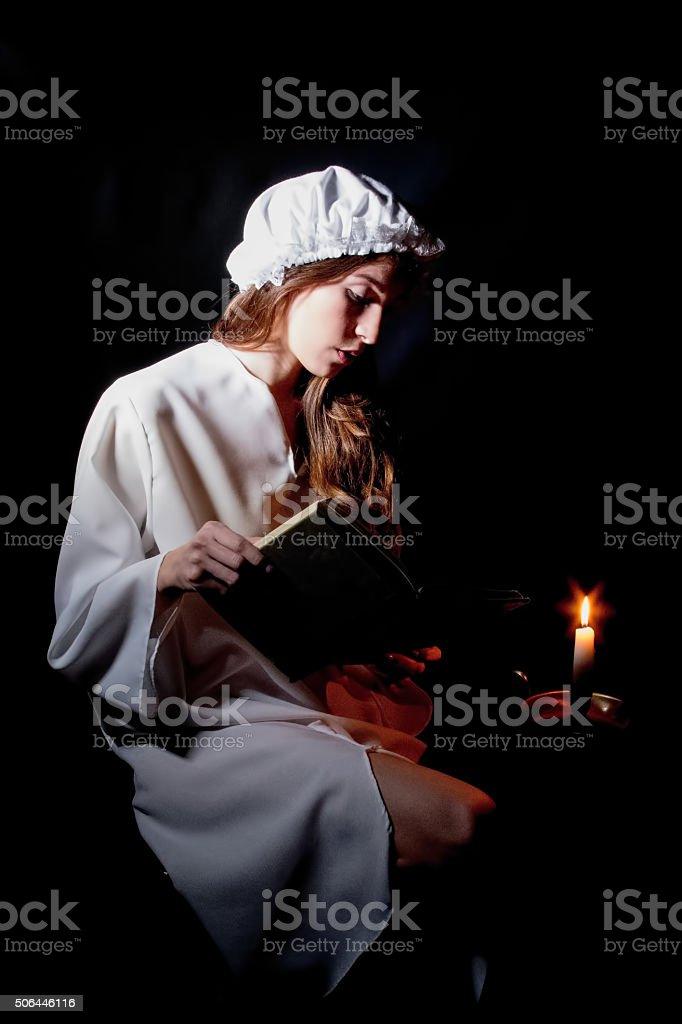 Grande recherche jeune adulte femme lecture - Photo